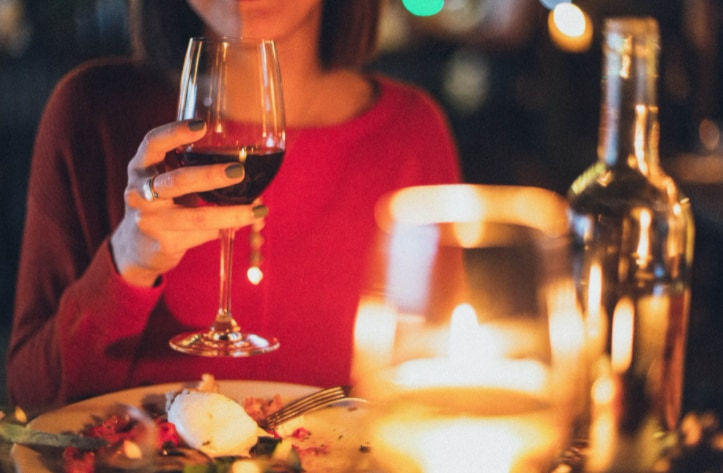 What Wine and Dine Opportunities Do Top Entertainment Venues Offer
