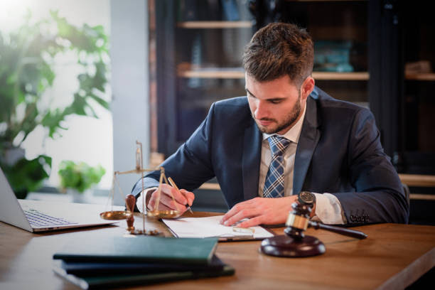 Advantages of Hiring an Affordable Criminal Lawyer in Singapore